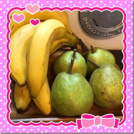 110616 banana and  pear